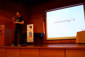 Brett Profitt presenting at ElggCamp STGO 11